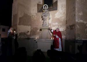 Požehnání sochy sv. Kateřiny ve Velvarech